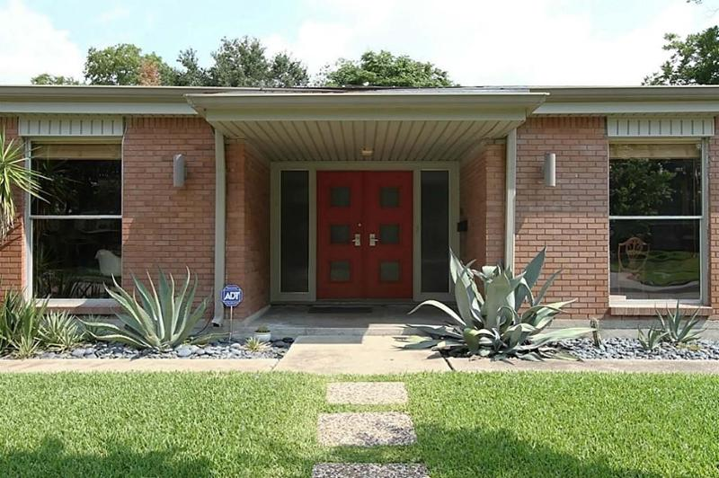 Atomic House Porch | Front Door of the Atomic House Houston | Midcentury Homes in Westbury | Vintage Parade of Homes Houston
