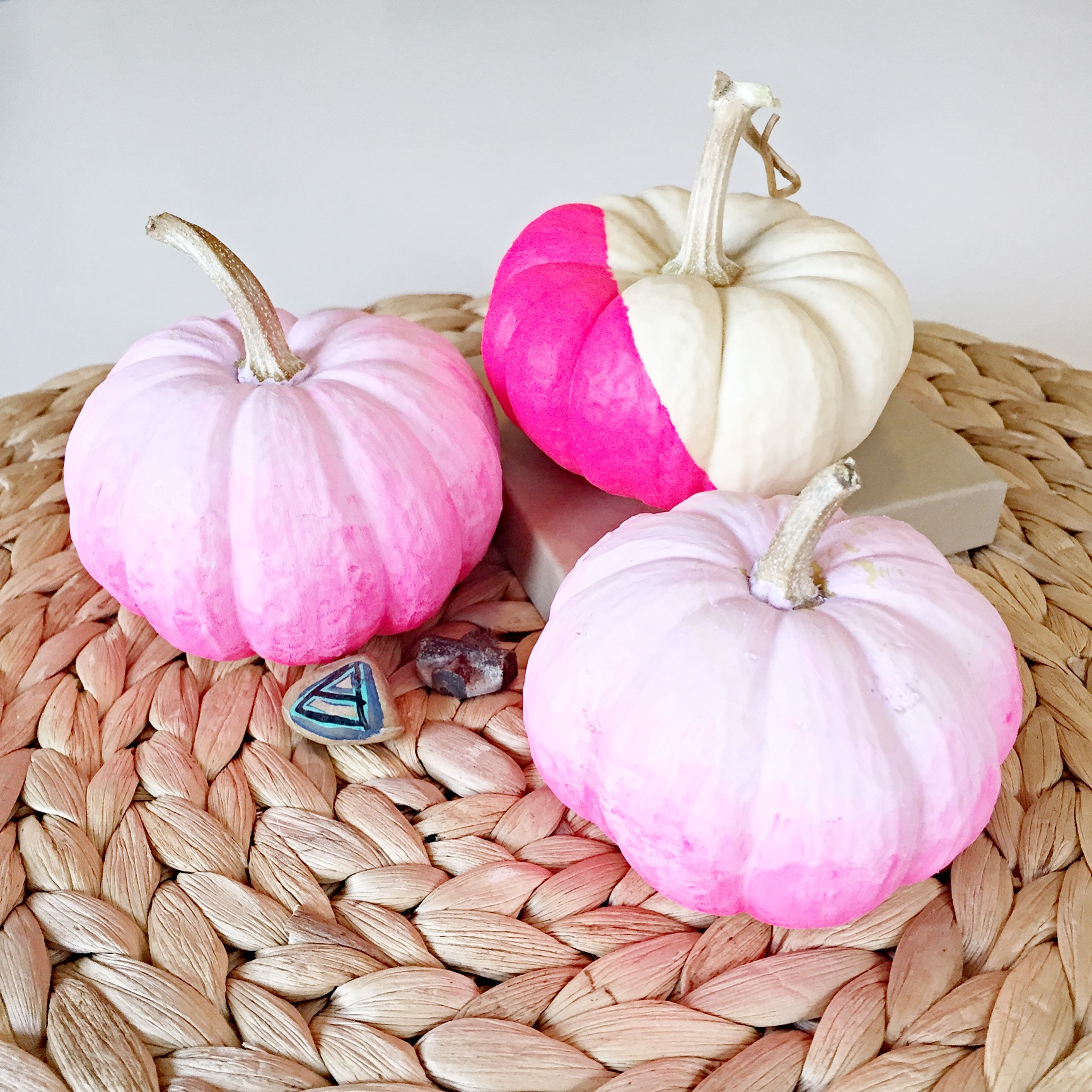 How to Make Ombre Pumpkins | Halloween Decor DIY's | Fall Decor Ideas | Learn How to DIY Lots of Cool Stuff on the Pop Shop America LIfestyle Blog