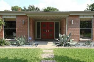 Atomic House Porch | Mid Century Homes | Westbury Houston