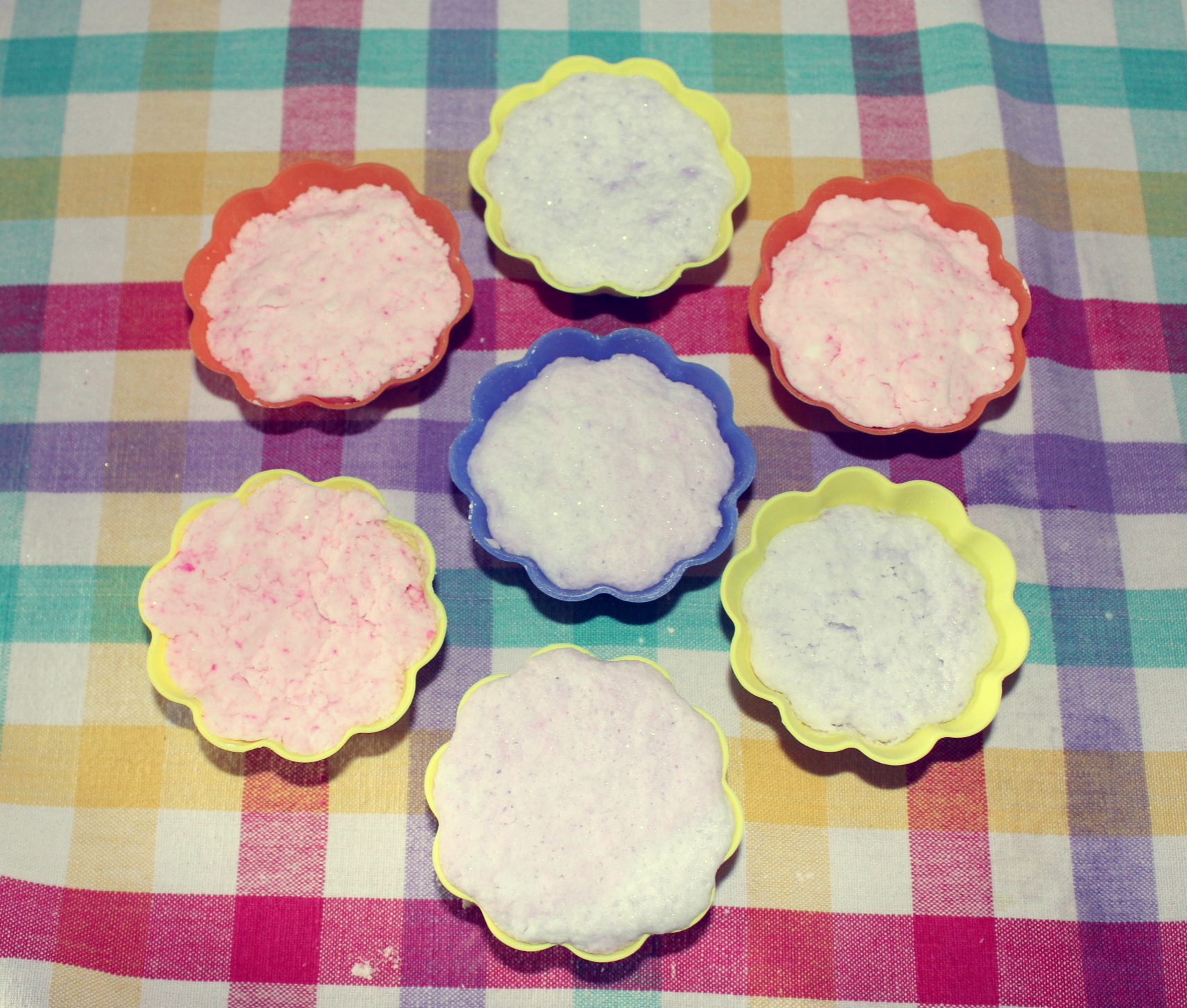 DIY Bath Bombs how to make your own bath fizzies on the pop shop america diy blog