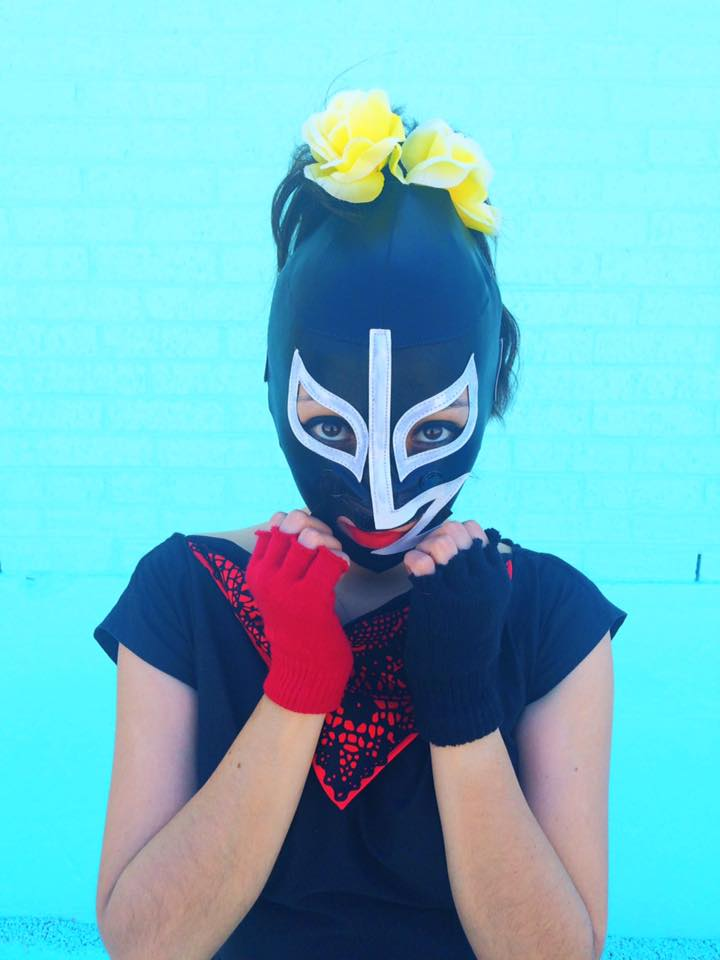 up close lady luchador photo shoot