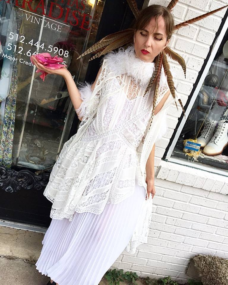 Houston blogger Zimmerman Feathers White Outfit Big Bertha's Paradise