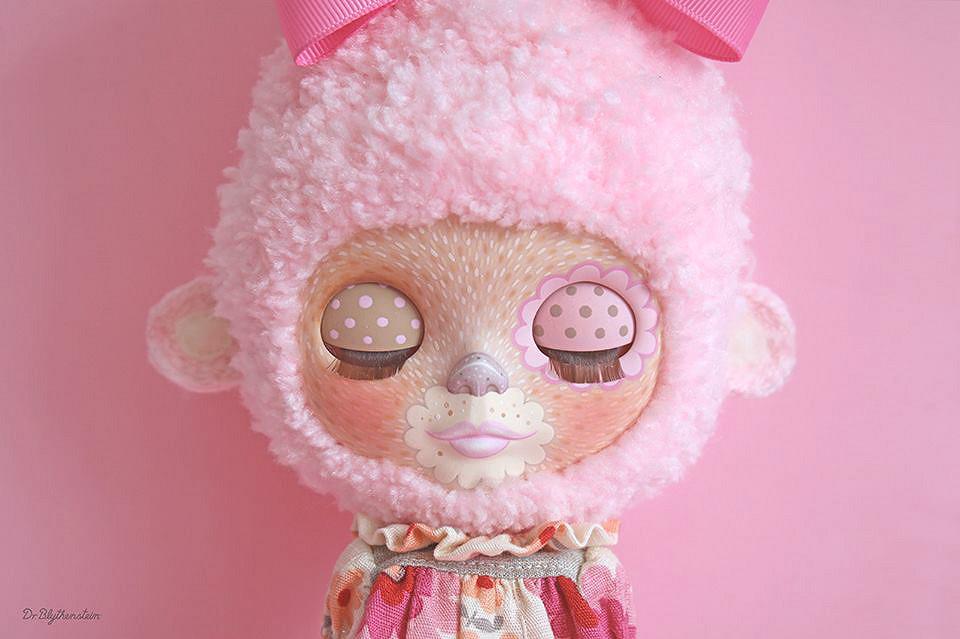 Dr Blythenstein Pink Yarnhead Blythe Creation