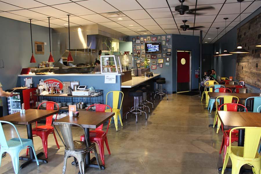 The Joy Bus Diner / Phoenix / Phoenix non profit/ Phoenix Restaurant