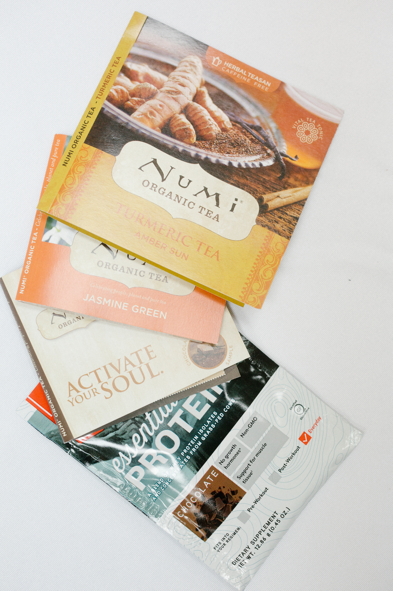 numi teas inside influenster's endless summer voxbox