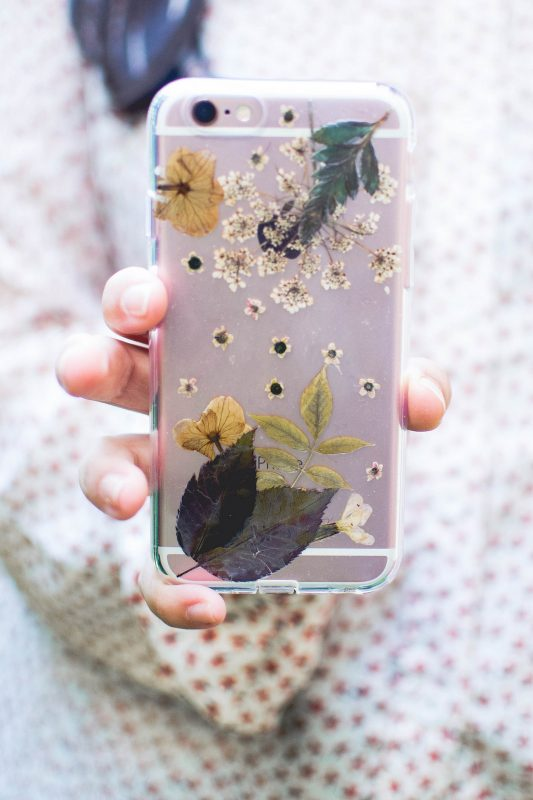 finished press flower phone case diy