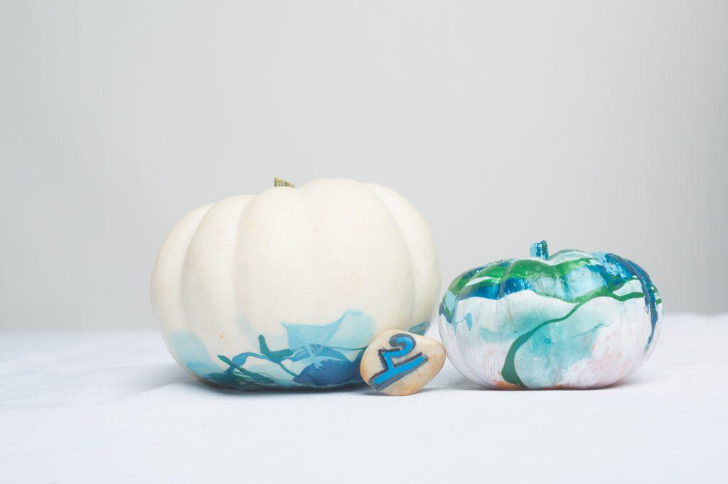 marbled-pumpkins-diy-final-hero-no-carve-pumpkins