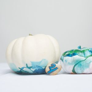 marbled-pumpkins-diy-final-hero-no-carve-pumpkins