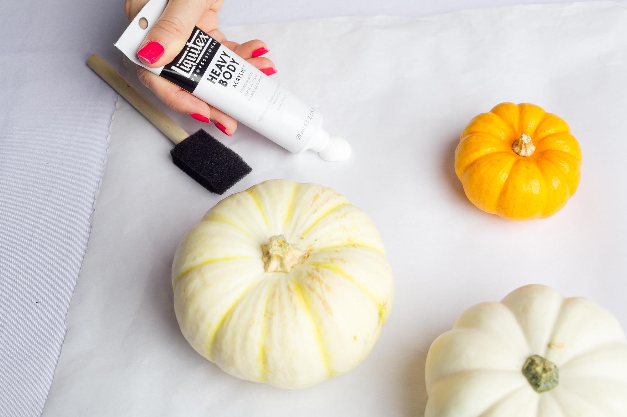 paint-the-pumpkins-diy-marbled-pumpkins