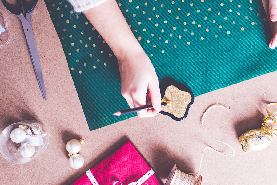3 DIY Wrapping Ideas: create a gold polka dots custom wrapping paper