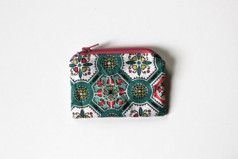 back-of-book-purse-handmade-book-coin-purse