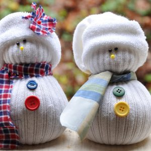 sock-snowmen-diy-pinterest-christmas-crafts