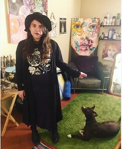 Hannah Bull In Studio