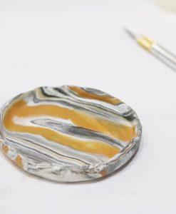 fold up the edges marbled ring disy diy