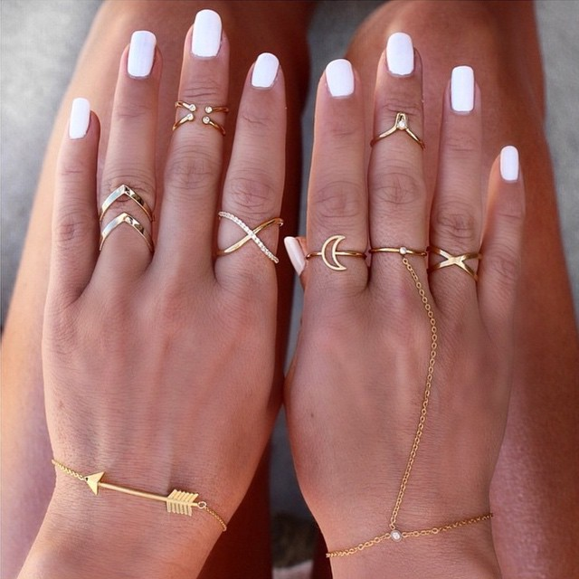 wanderlust + co layered midi rings