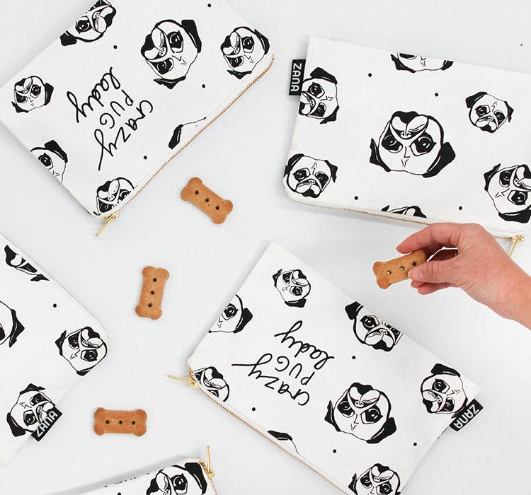 detail-of-pug-dog-pouch-canvas-clutch-pop-shop-america-accessories