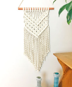 handmade-macrame-by-never-felt-better-simple-triangle-macrame