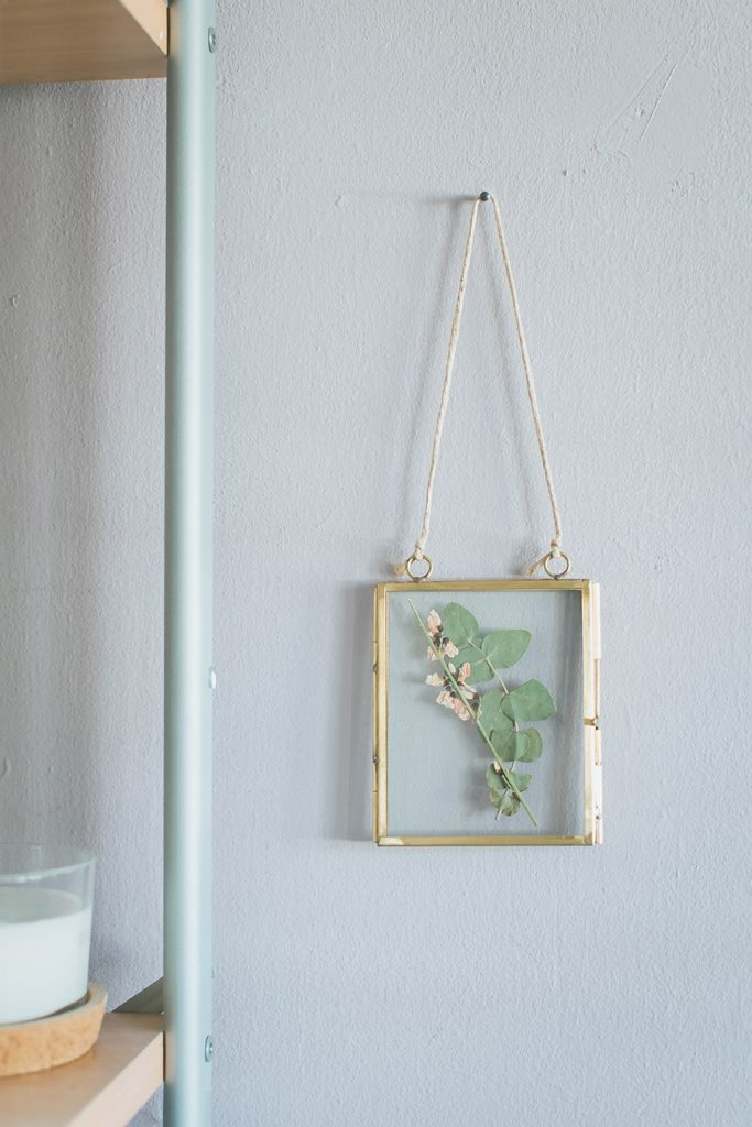 DIY Pressed Flower Frame Tutorial End Result