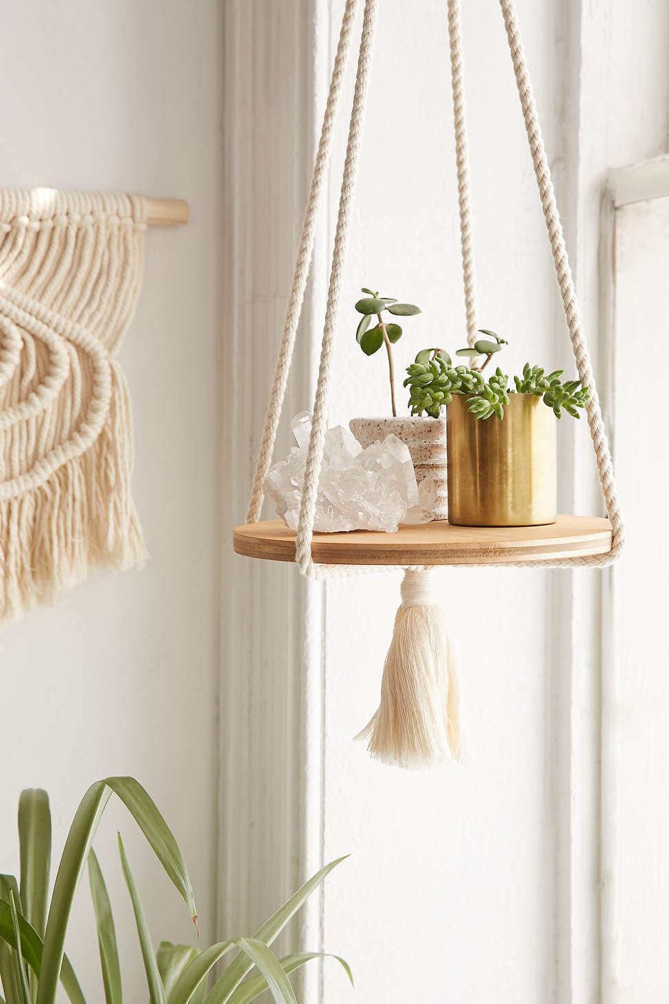macrame floating shelf. Black Bedroom Furniture Sets. Home Design Ideas