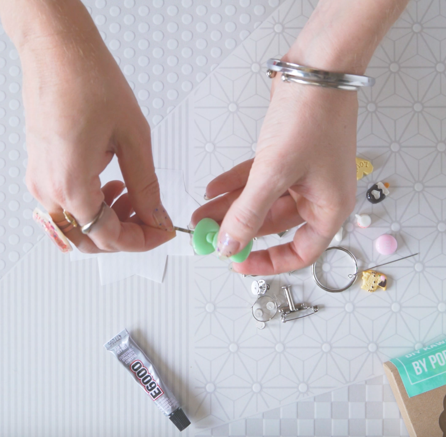 what's inside the diy kawaii jewelry kit