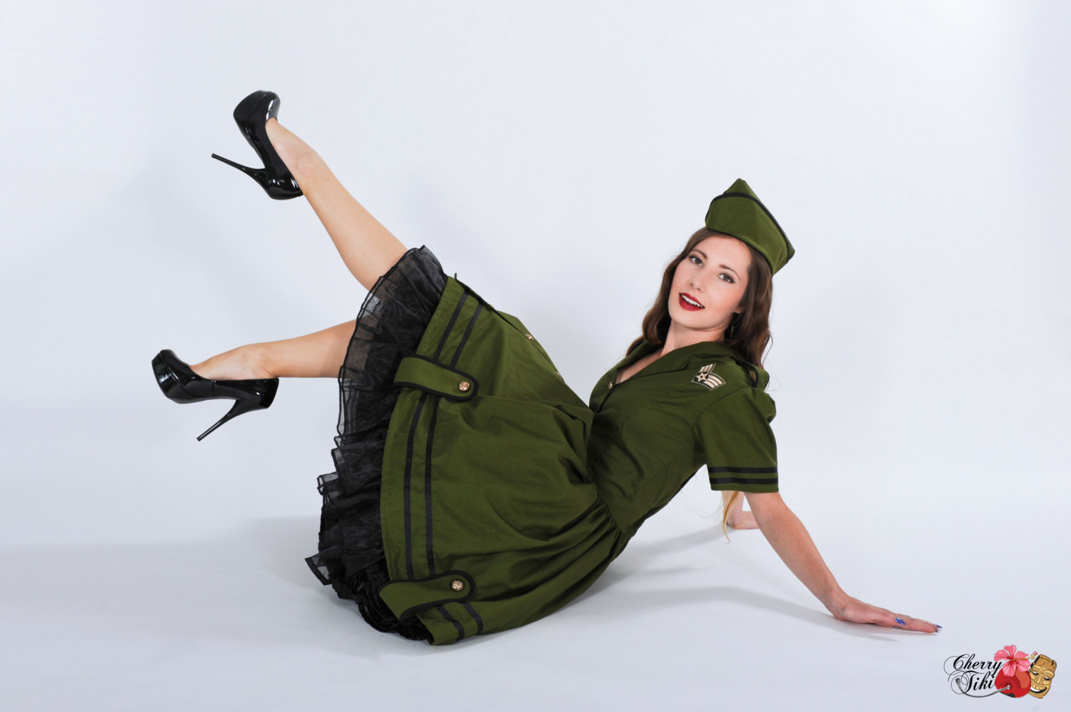 cherry tiki creates cosplay and halloween costumes that are inspired by the 50s pinup and rockabilly this green army dress is so fun flirty - Pin Up Girl Halloween Costumes 2017