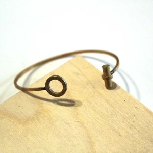 circle and line modern brass bracelet_web