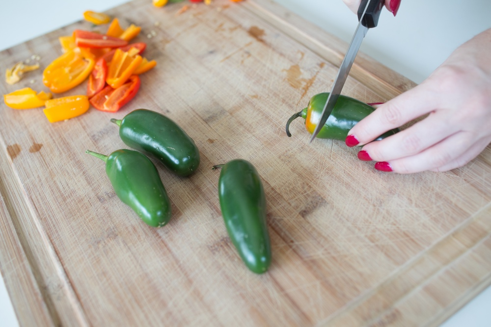 how to pick a spicy jalapeno _web food blog