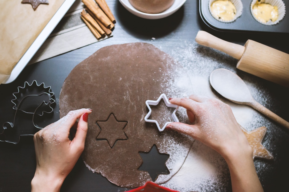 how-to-make-gingerbread-cookies-with-spicy-cayenne-pop-shop-america-dessert-recipes