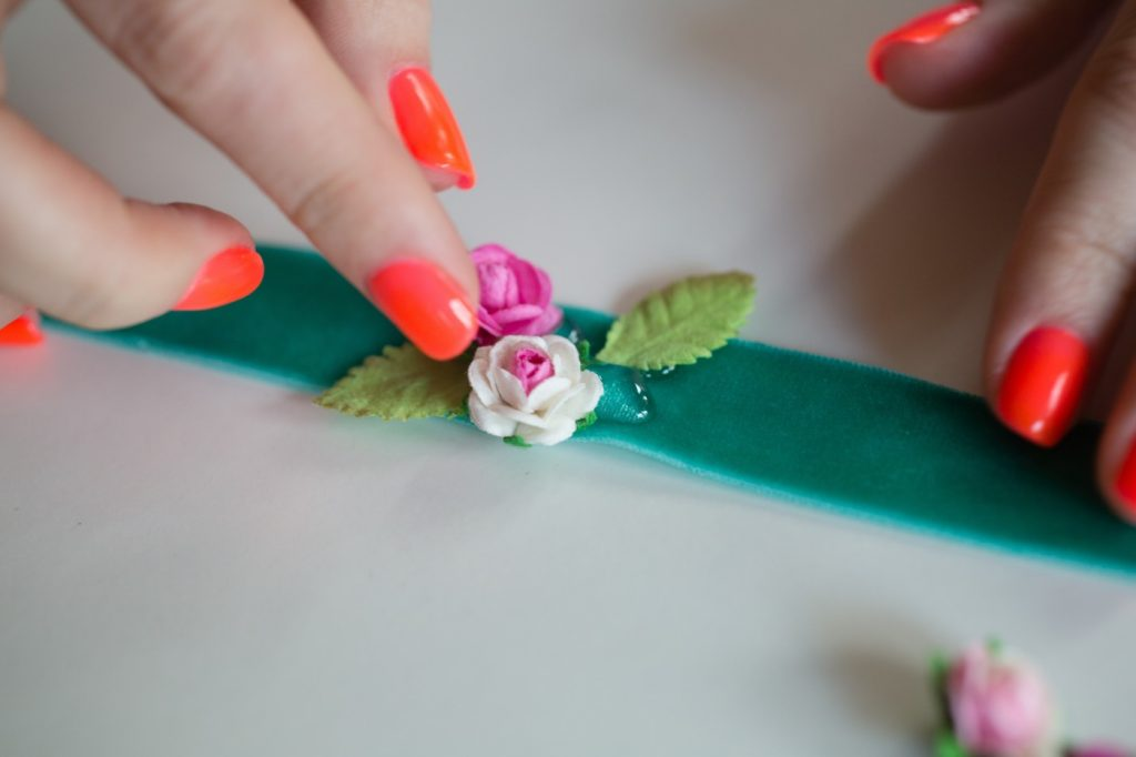 add-paper-flowers-diy-corsage-teen-craft