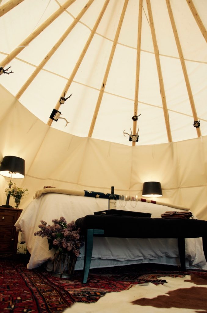 inside-tipi-dreamcatcher-hotel-montana-pop-shop-america