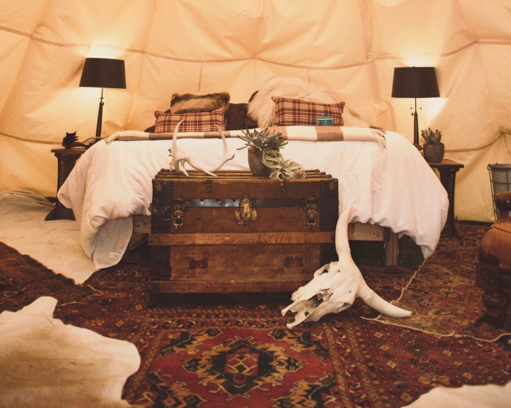 view-inside-dreamcatcher-tipi-hotel-montana-yellowstone