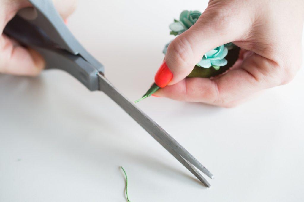 cut-wire-diy-paper-flower-boutonniere-wedding-fashion-menswear