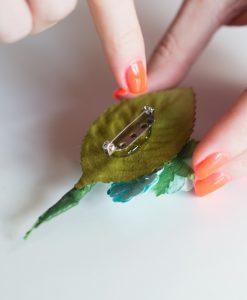 easy-paper-flower-boutonnieres-wedding-menswear-diy