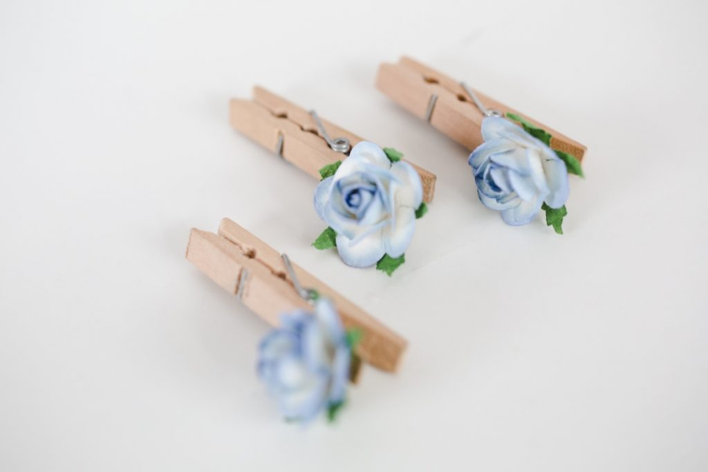 finished clothespins with paper flowers diy