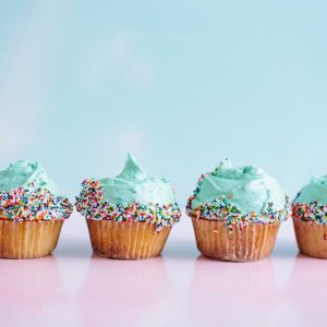 sea punk cupcakes turquoise and pink cupcakes pop shop america