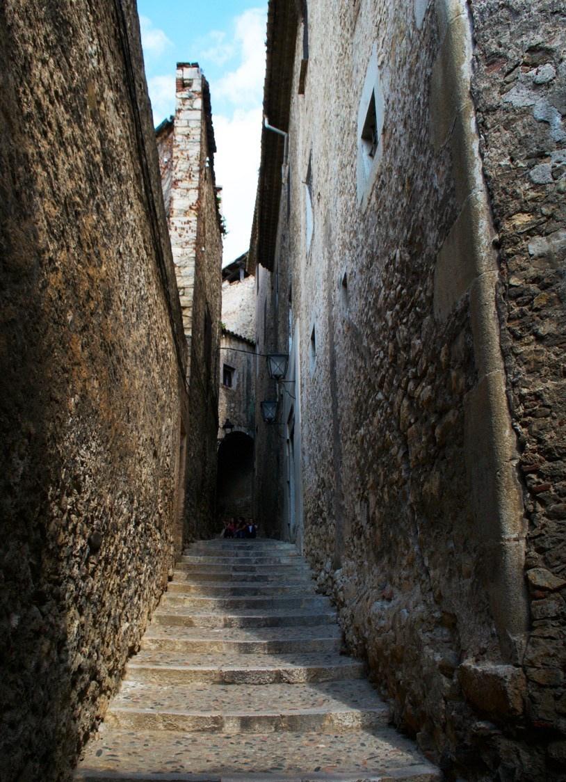Guide to Girona Catalonia Spain 28 cobblestone stairways