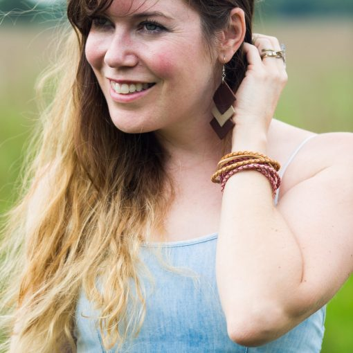 how-to-make-an-easy-leather-boho-bracelet-final-scaled_square