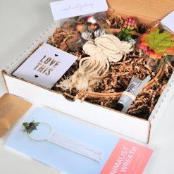 minimalist-fall-wreath-diy-kit-in-box-pop-shop-america_square
