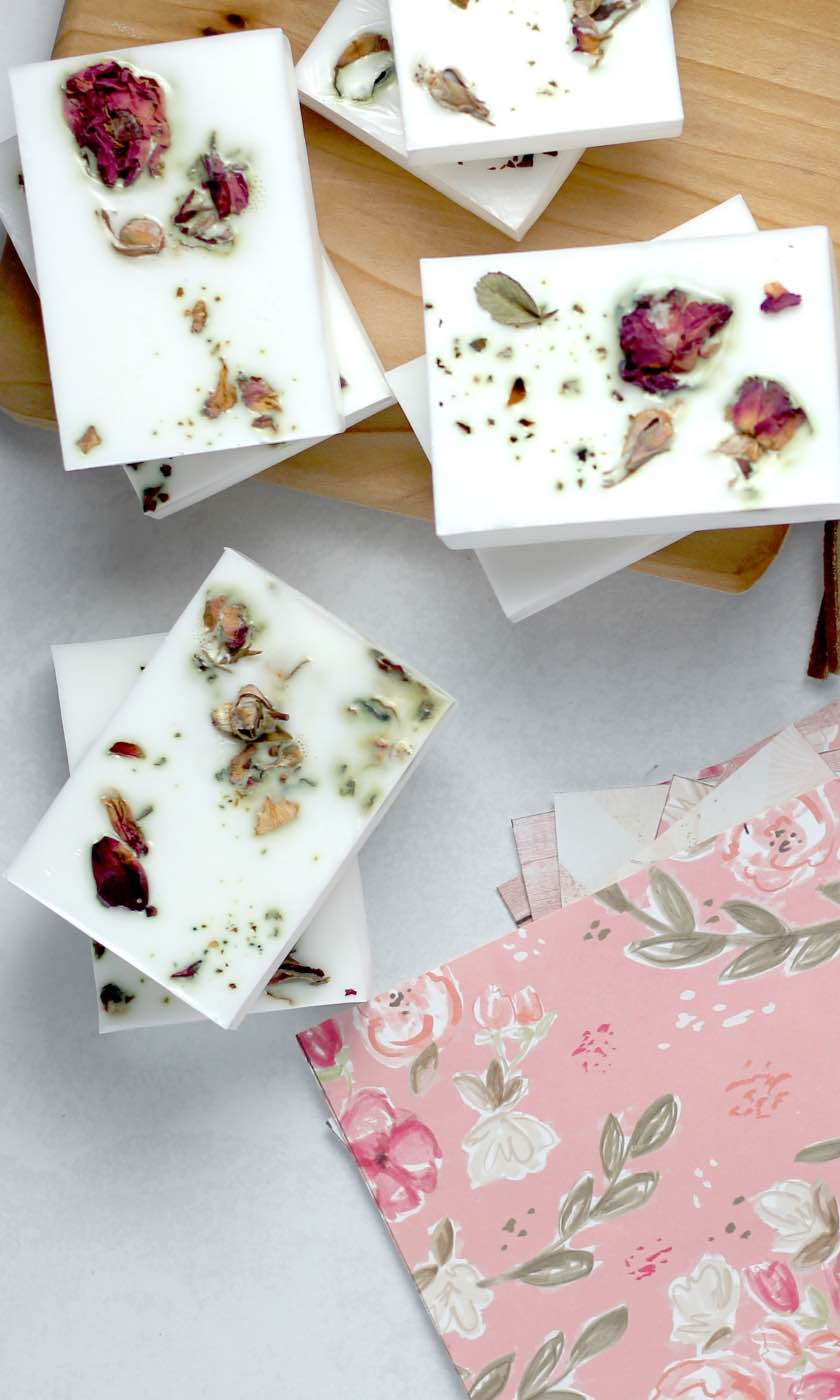 see inside september craft in style box make your own soap