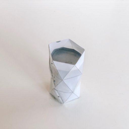 where-to-fill-the-concrete-template-to-make-concrete-desk-holders_square