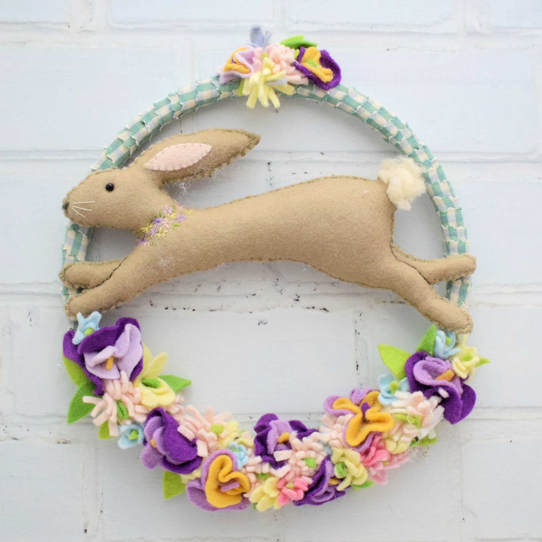 Spring-Bunny-Wreath-bustle-and-sew