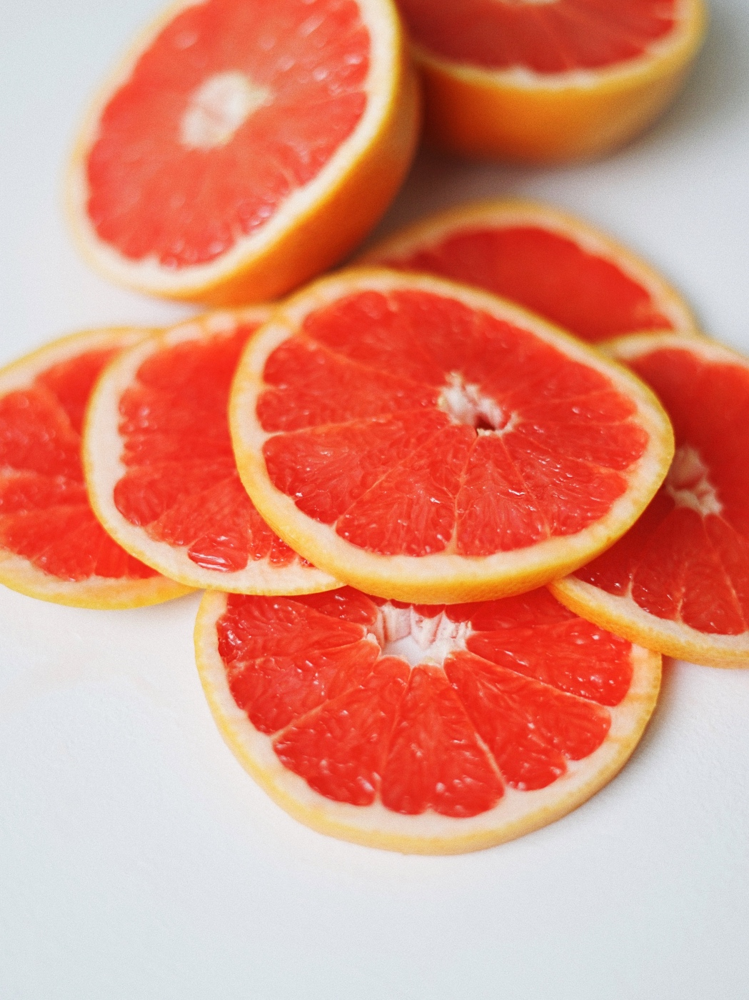 sliced grapefruit to make infused water recipe with mint and citrus