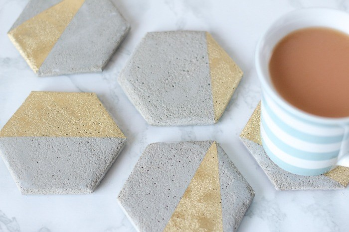 cement-coaster-DIY-with-gold-homeology
