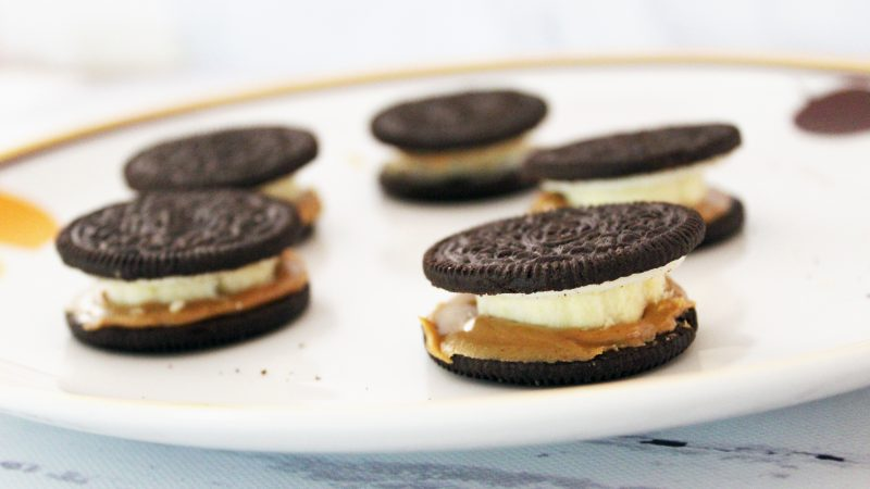 peanut butter and banana sandwiched in oreos