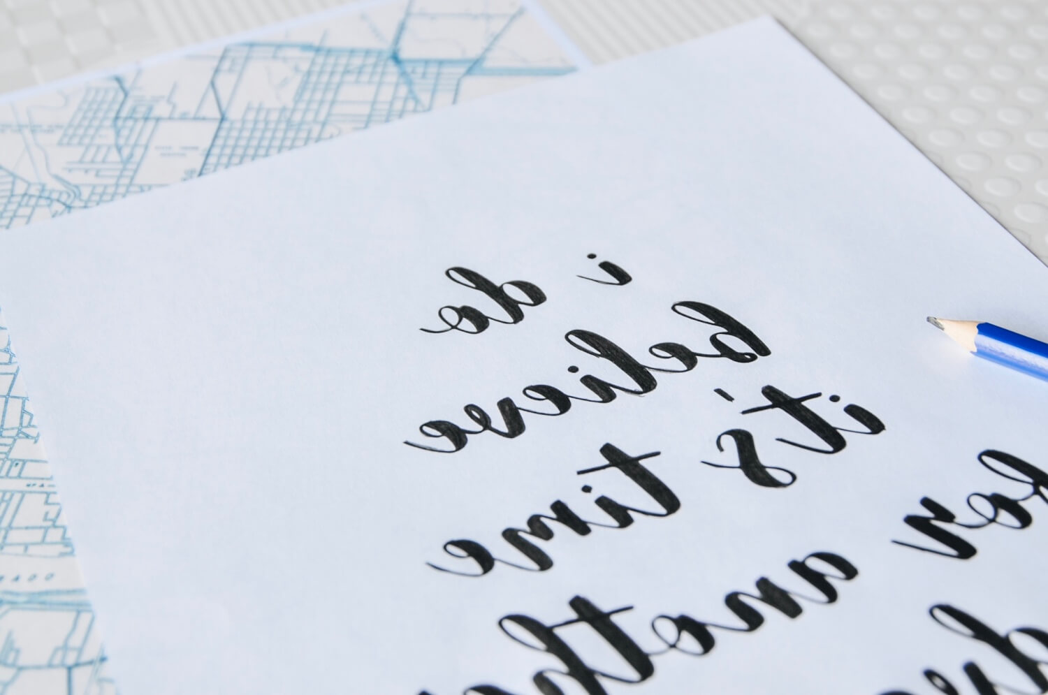 color in the letters backwards easy calligraphy tutorial