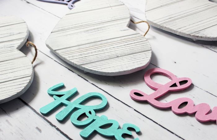 flatlay painted letters heart 2