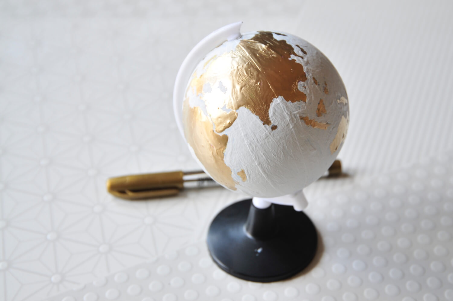how to hand paint a chalkboard globe art subscription box tutorial