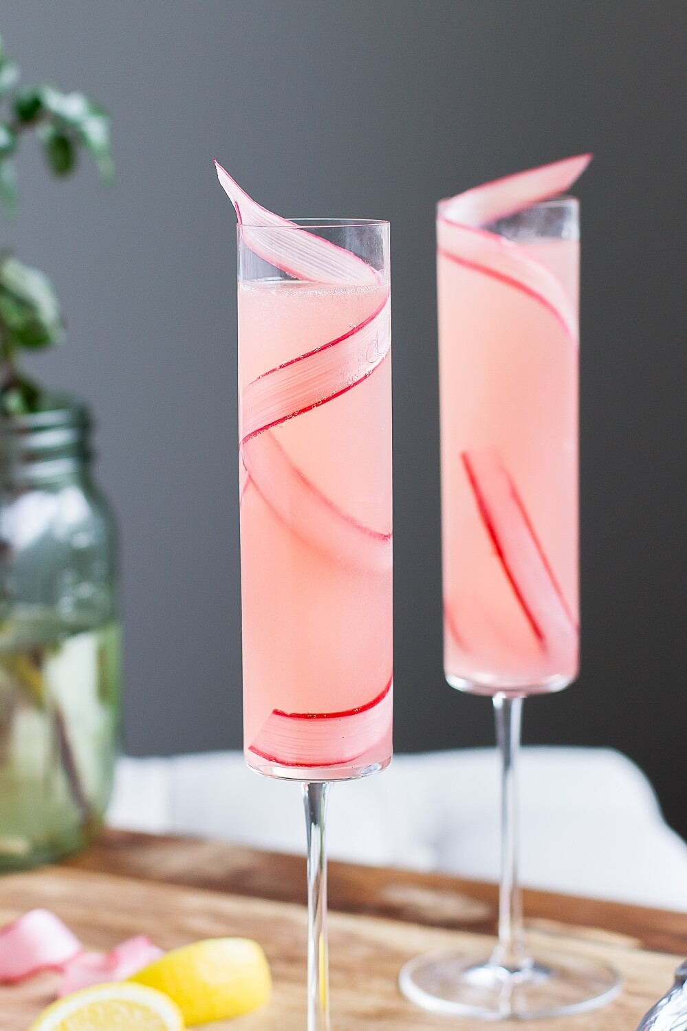 rhubarb 75 cocktail recipe by the good drink_web