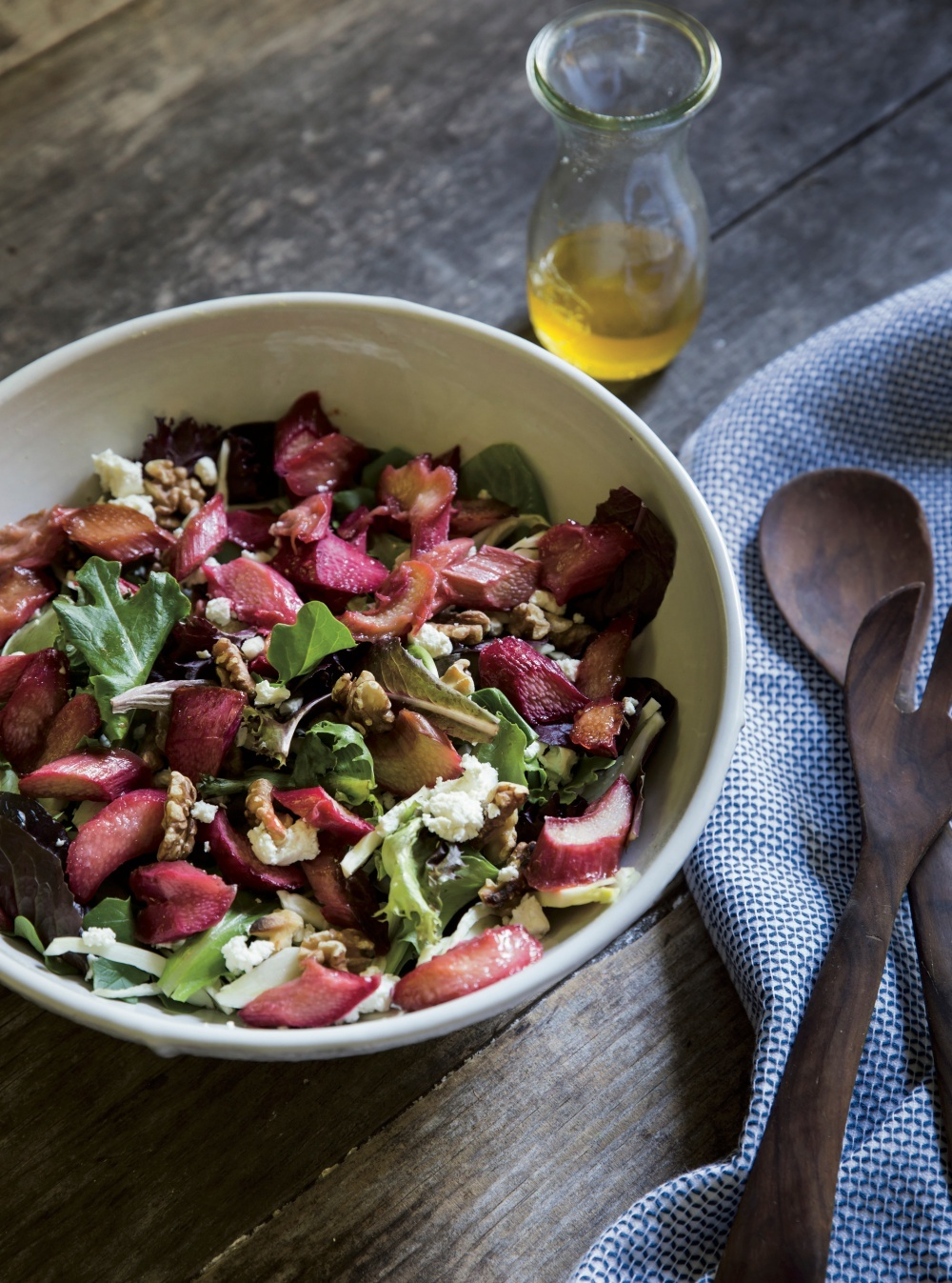 rhubarb-salad-recipe-with-fennel-goat-cheese
