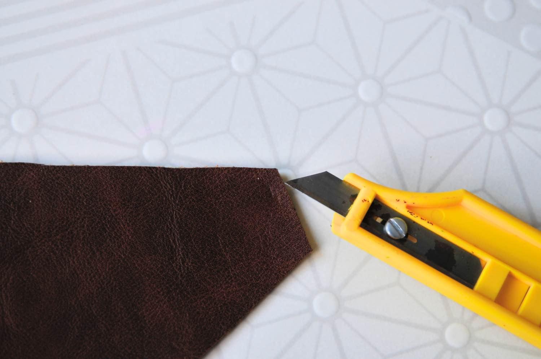 how to attach a clasp to a no sew clutch diy